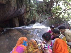 Visiting Panchalingeswar